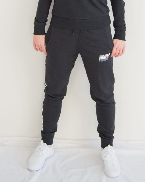 Superdry core sport joggebukse framme