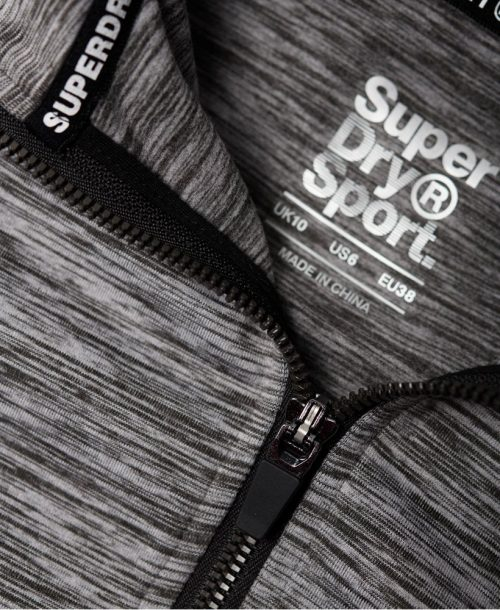 Superdry Core taped half zip Hettegenser closeup half zip